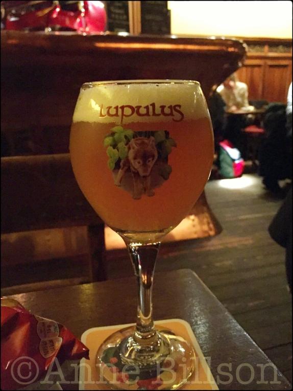 Lupulus (8.5%): La Belladone, Morisstraat 17a, Sint-Gillis.