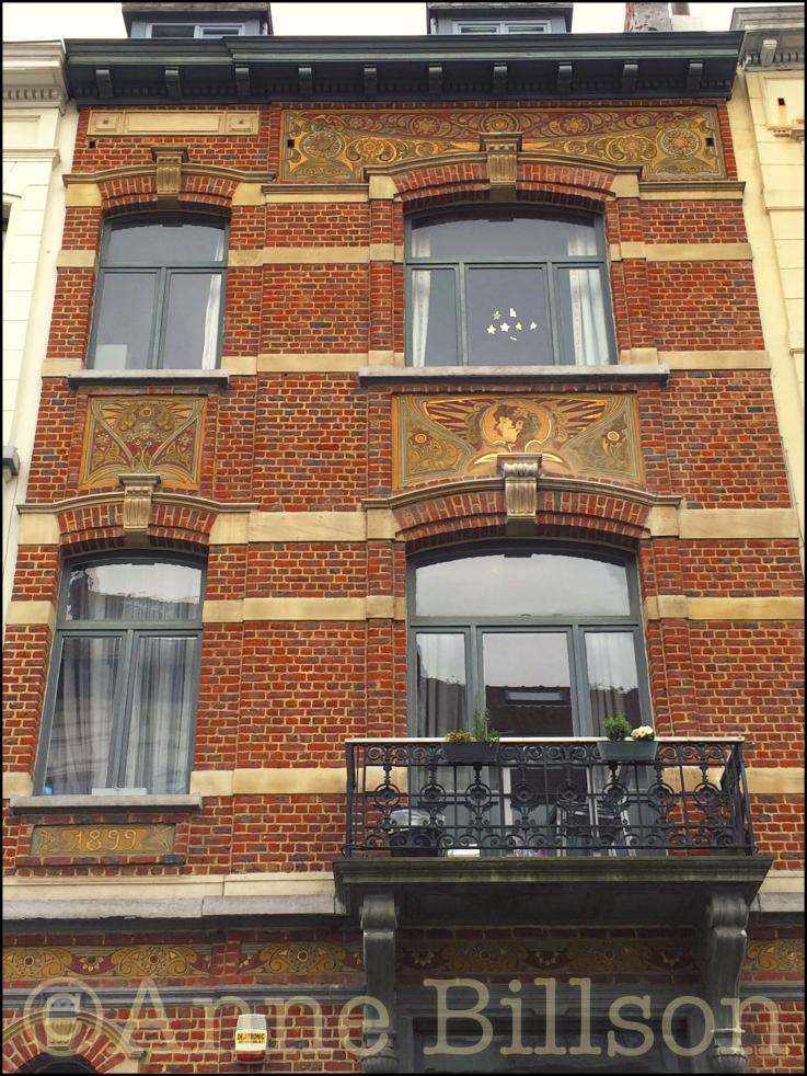 Faiderstraat 71 (Architect: Edouard Elle, 1899; sgraffite: Gabriel Van Dievoet): Elsene.