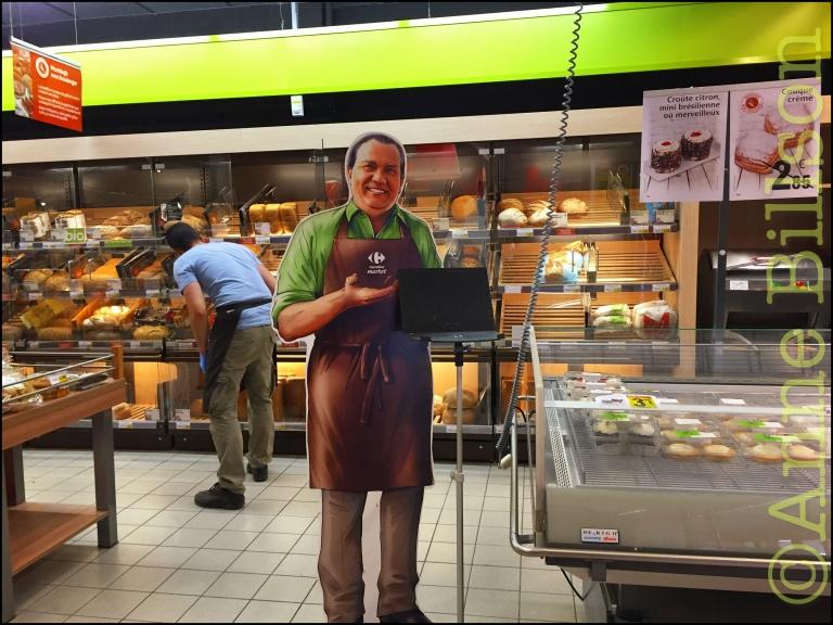 Carrefour market man: Carrefour supermarkt, Vanderkinderestraat, Ukkel.